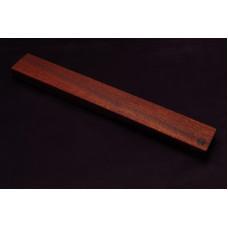 Магнитный держатель для ножей MDG (красное дерево) 500г.