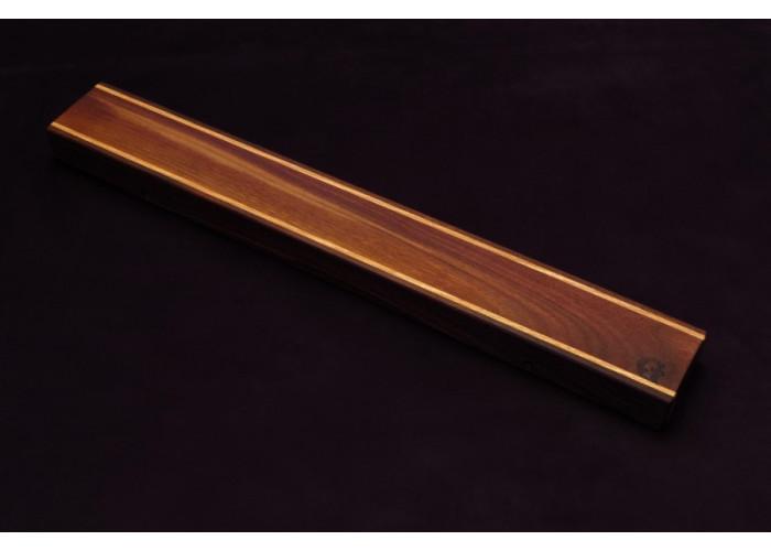 Магнитный держатель для ножей MDG (орех и ясень в центре) 400г.